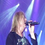 Joe Elliott - Lead Vocals.